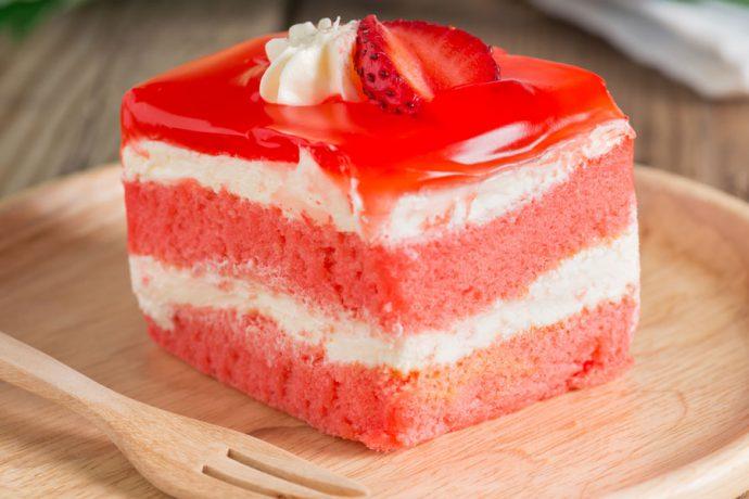 کیک توتفرنگی