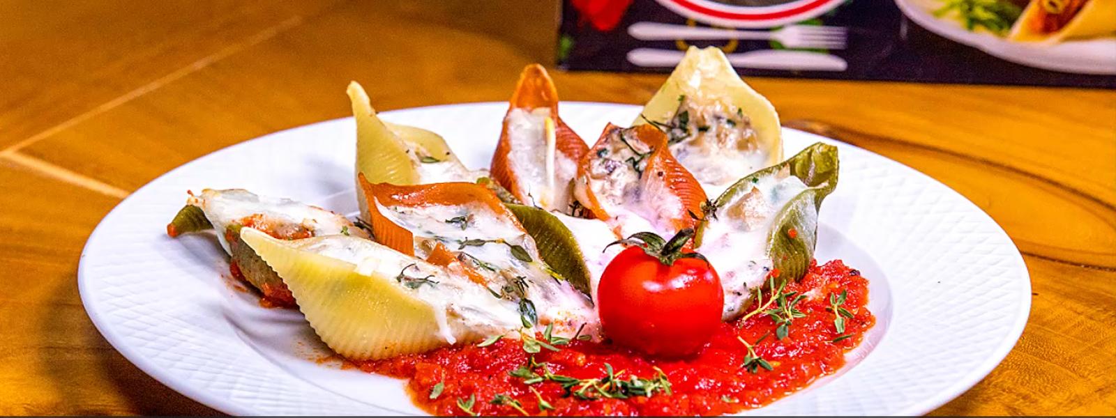 جامبو سبزیجات پر شده با سس قارچ