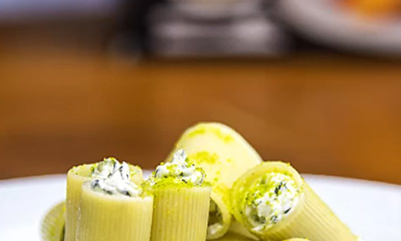 سدانو پر شده با پنیر