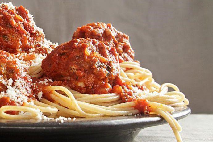 اسپاگتی و گوشت گوساله