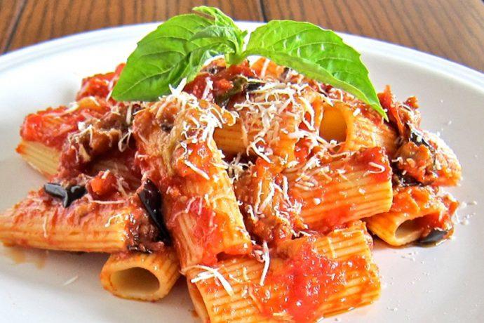 جامبو با گوجه و پنیر