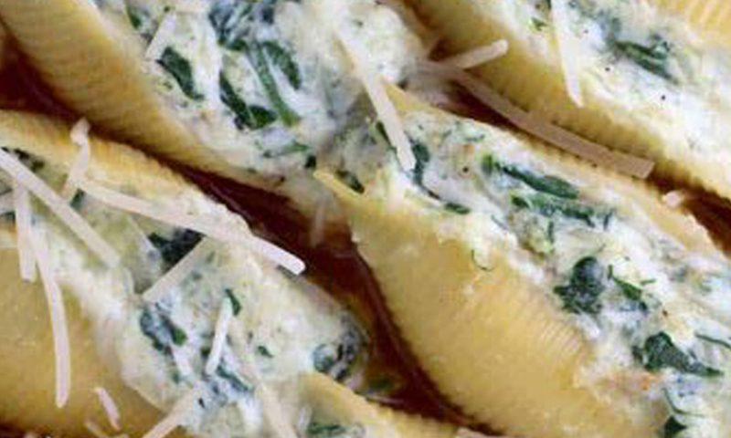 جامبو شلز پنیری با سس پستو و ریحان