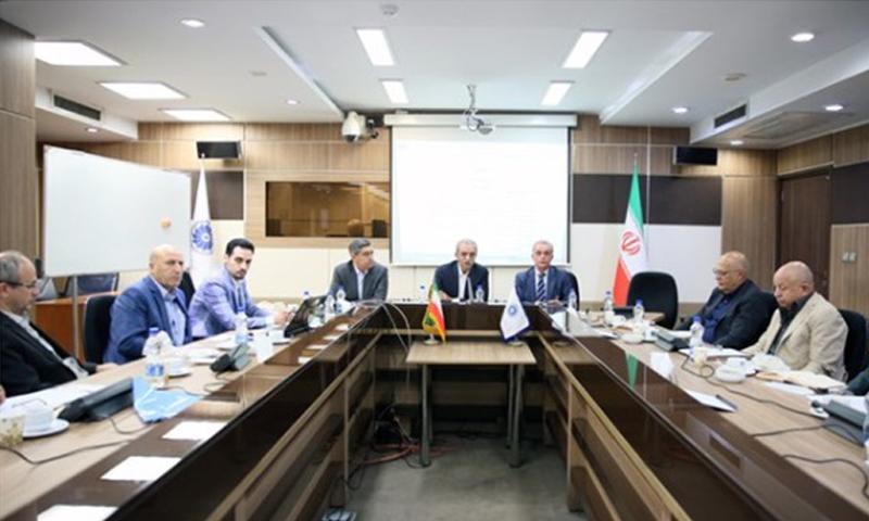 بنیانگذار گروه صنعتی  و پژوهشی زر، بر کرسی هیأت مدیره موسسین انجمن هلدینگهای ایران نشست